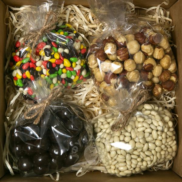 Подарочный набор сладостей и орехов № 24 (400 г.)