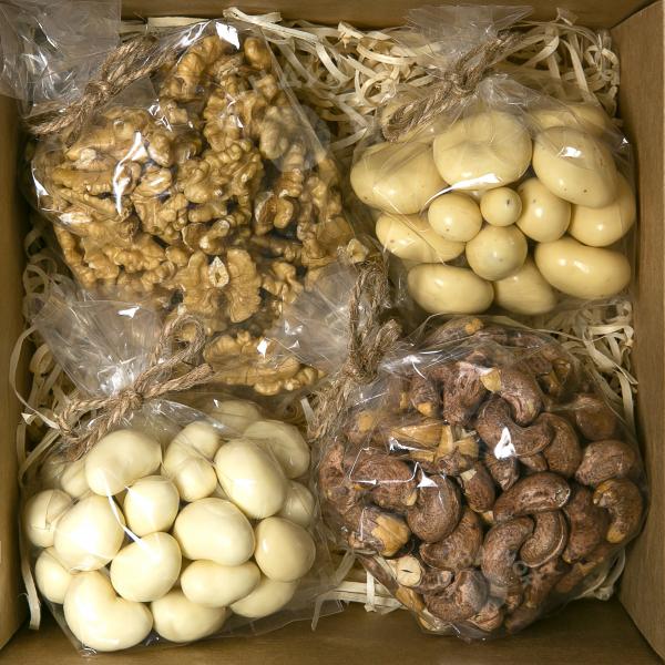 Подарочный набор орехов и сладостей № 25 (400 г.)