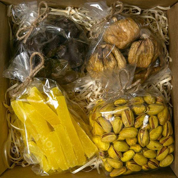 Подарочный набор орехов, сухофруктов, цукатов и сладостей № 26 (400 г.)
