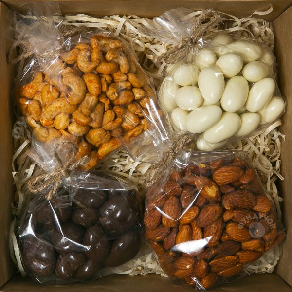 Подарочный набор орехов и сладостей № 27 (400 г.)