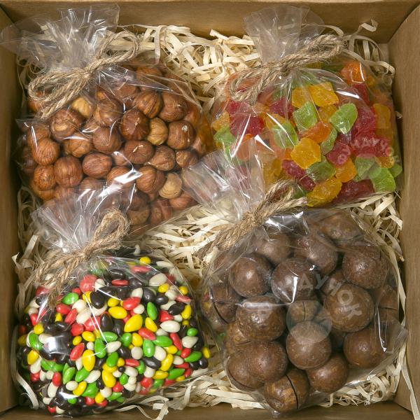 Подарочный набор орехов, цукатов и сладостей № 37 (400 г.)
