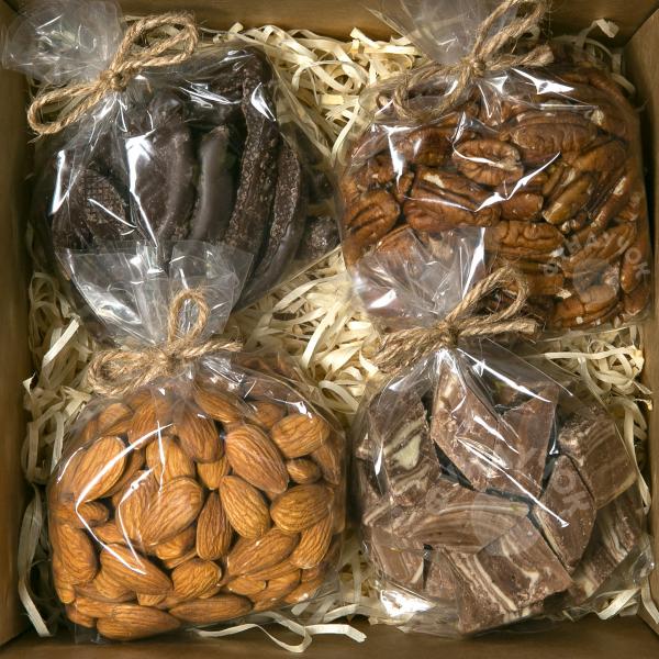 Подарочный набор орехов и сладостей № 38 (400 г.)