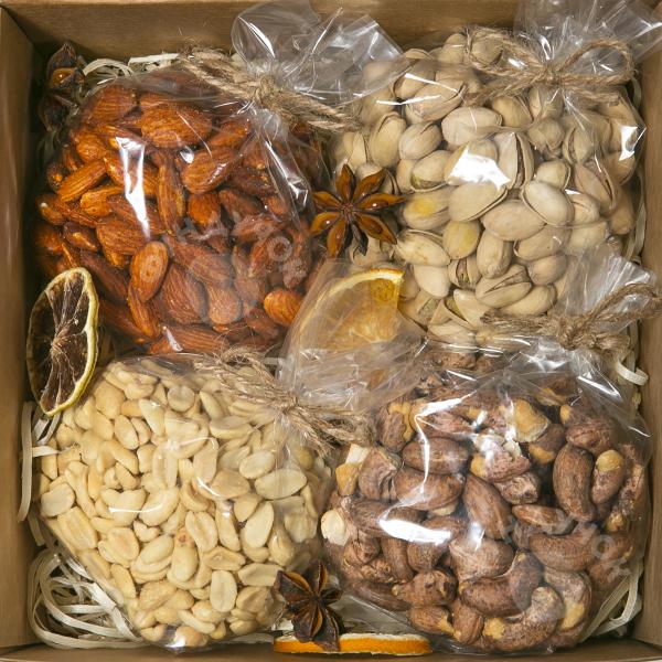 Подарочный набор орехов № 4 (400 г.)